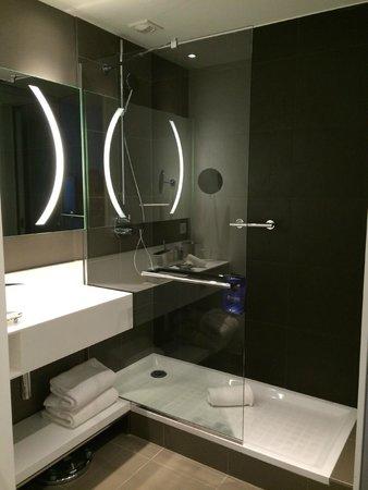 Radisson Blu Hotel, Nantes : Bathroom