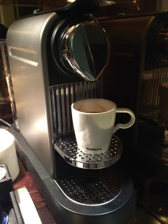 Radisson Blu Hotel, Nantes : In-room Nespresso Machine