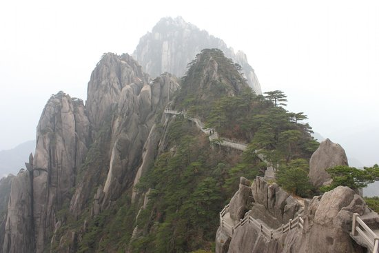 Mt. Huangshan (Yellow Mountain): The new steps on Yellow Mountain