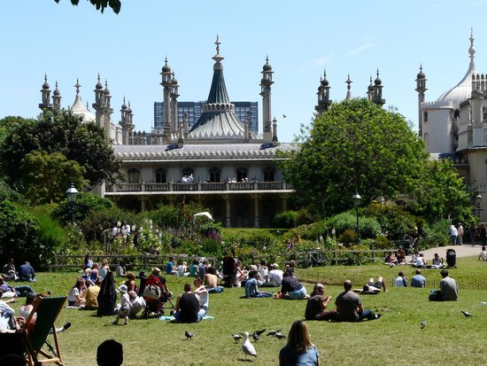 Royal Pavilion: Views from the public picnic grounds