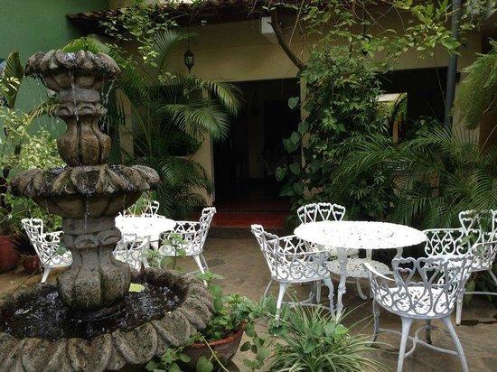Hotel Real: Buen desayuno en un ambiente tranquilo ...