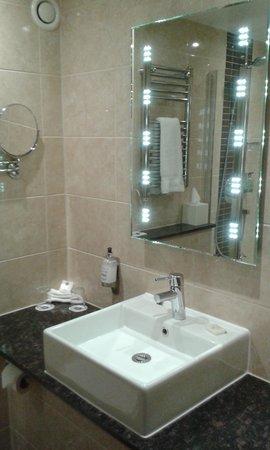 Best Western Plus Stoke on Trent Alsager Manor House Hotel: Bathroom 1