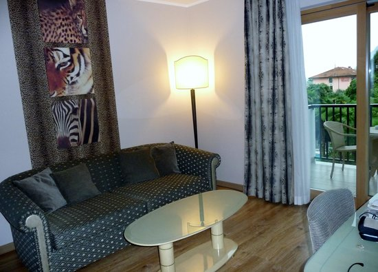Parc Hotel Flora: vardagsrummet 210