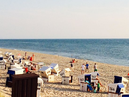 sansibar beach chillin