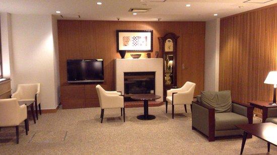 Niseko Alpen Hotel: フロントの前