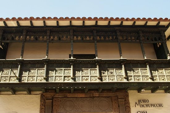 Centro Historico De Cusco: wonderful balconies