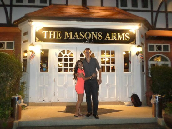 The Mason's Arms: Us outside this great pub!