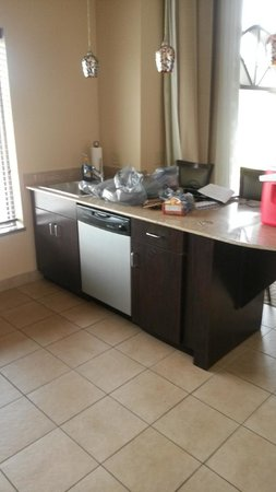 Holiday Inn Express Hotel & Suites Opelika Auburn: Kitchen