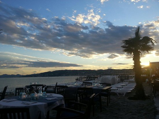 Plage Le Ruban Bleu : Beautifully situated for those that love a sunset