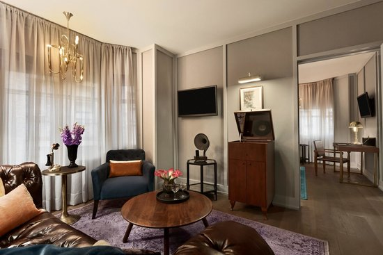 The Evelyn: Executive Suite