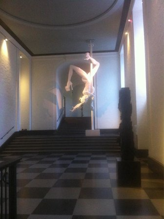 Museum of Fine Art (Goteborgs Konstmuseum): Contemporary sculpture - flying pole dancer of 6m height