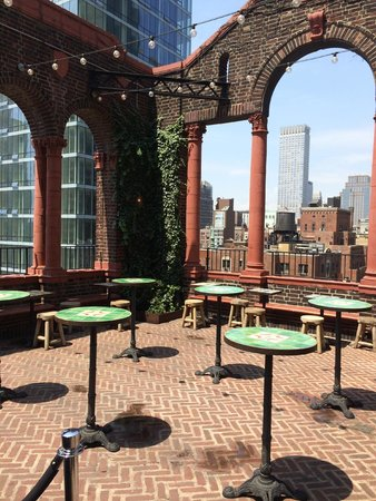 Pod 39 Hotel: Awesome rooftop terrace and bar