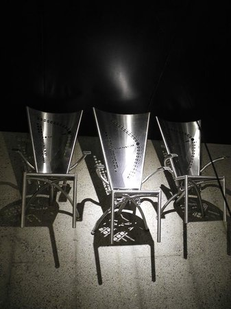 Pillitteri Estates Winery: The symbolic chairs in the cellar