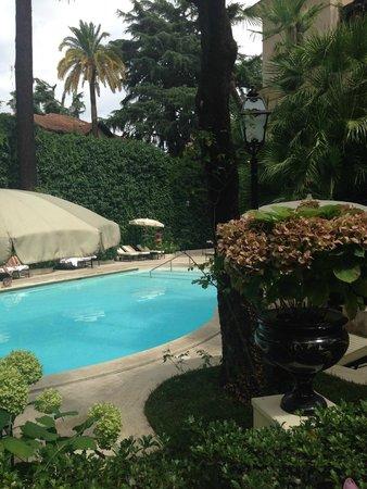 Aldrovandi Villa Borghese: piscine