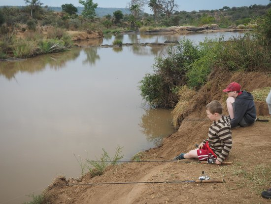 Laikipia Wilderness Camp : Fishing for dinner
