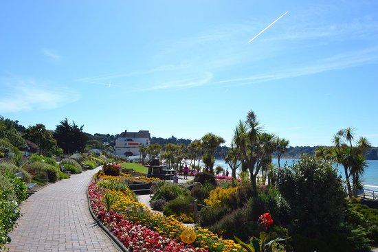 Gardens picture of st brelade 39 s bay beach st brelade for Garden design jersey channel islands