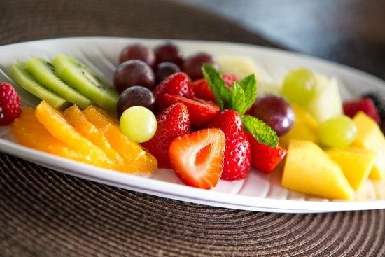 Parrilla Natural : Seasonal Fruit Platter