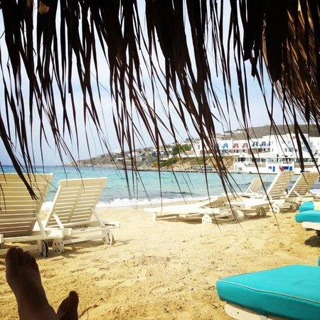 Mykonos Palace Beach Hotel: Playa del hotel