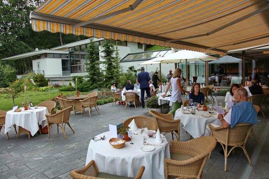 Parkhotel Bellevue: Terrasse