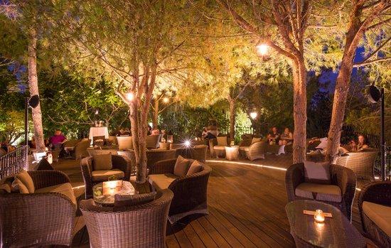 Parrilla Natural : New Deck Lounge