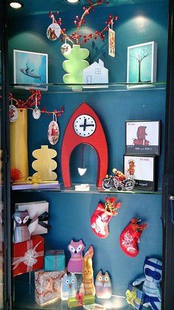 The Vault : akl window display