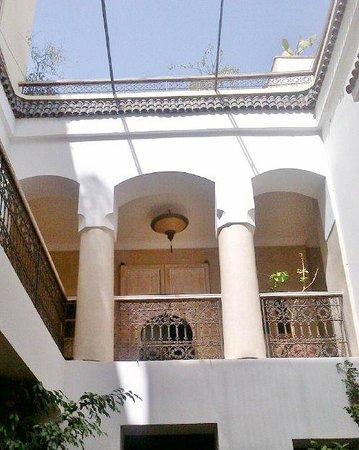 Riad Princesse Jamila: Patio agréable et joliment décoré
