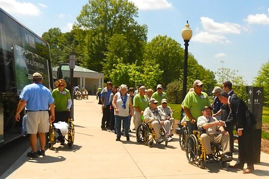 National World War II Memorial: Shaking hands with these WW II Heroes - incredible sight