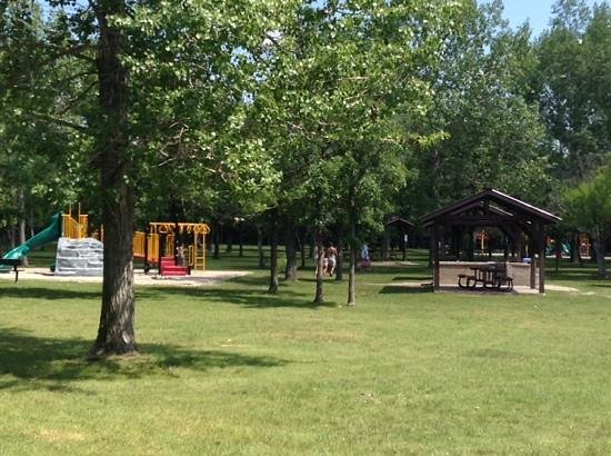 Saint Malo, Kanada: Play Structures & Picnic Huts w/fire pit options