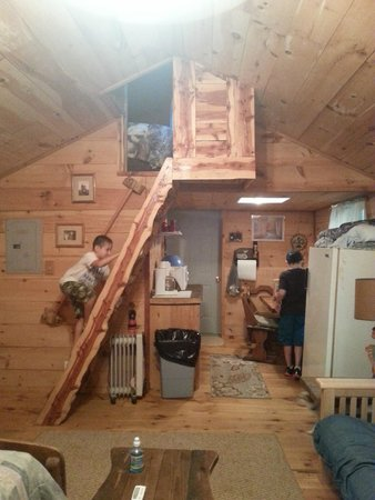 Big South Fork Lodge & Horse Campground: Inside