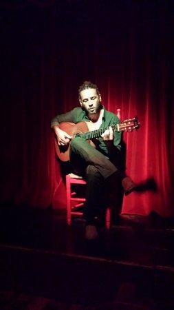 CasaLa Teatro: Guitarist