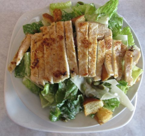 Never Blue : Caesar Salad with grilled chicken