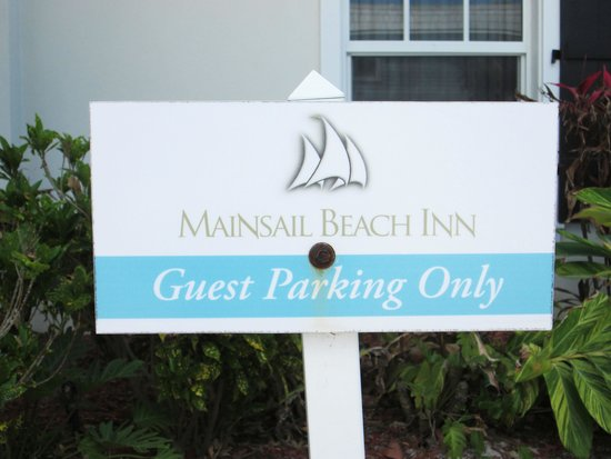 Mainsail Beach Inn: Parking is Free