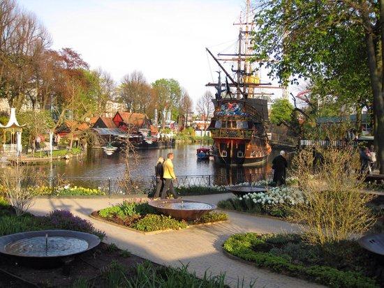 Tivoli Gardens: 園内