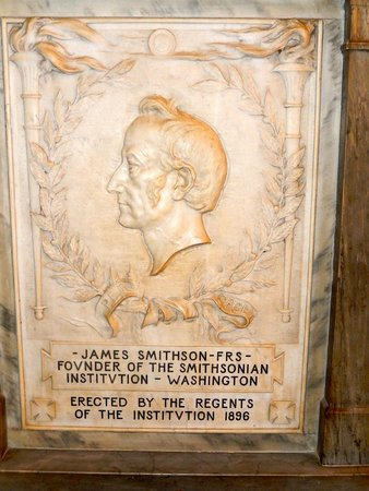 Smithsonian Institution Building : James Smithson - imagine!!!