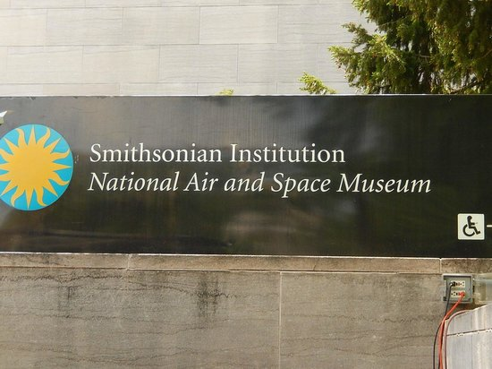Smithsonian Institution Buidling: Sign
