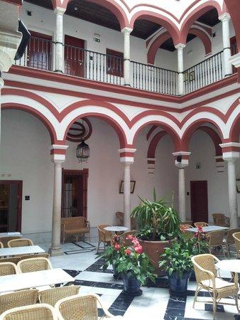 Las Casas De Los Mercaderes: Patio