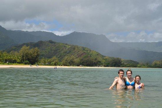 Hanalei Beach: The siblings in Hanalei Bay!!!