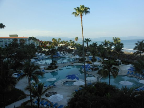 Hard Rock Hotel Vallarta: Dining was very good from a good selection of on-site restaurants. Food presentation was excelle