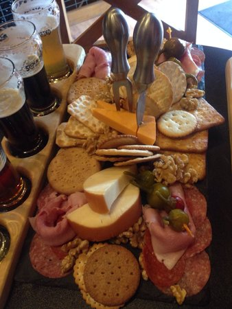 Sick N Twisted Brewing Co.: Meat and cheese sampler...was delicious!