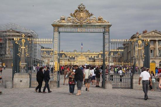 Château de Versailles : the gates