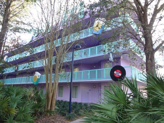 Disney's Pop Century Resort: View from the parking lot