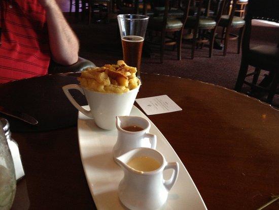 Raglan Road Irish Pub & Restaurant : Go for the Bread Pudding