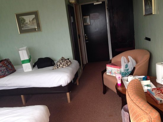 Coventry Hill Hotel: Inside our room. Had a double bed and a single bed. Quite spacious.