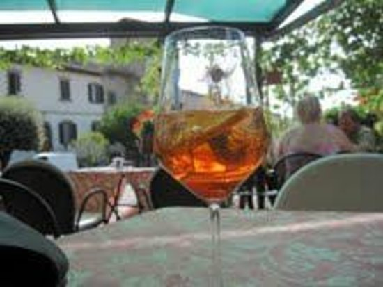 Bar Dante: the best aperol spritz in chianti!
