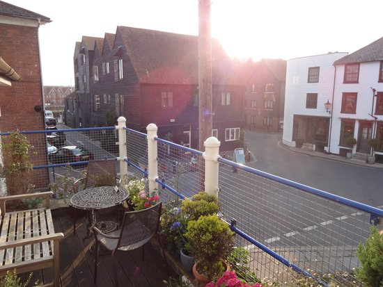 Old Borough Arms Hotel: View from front door.