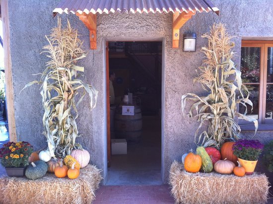 Amador Cellars: Entry to Tasting Room