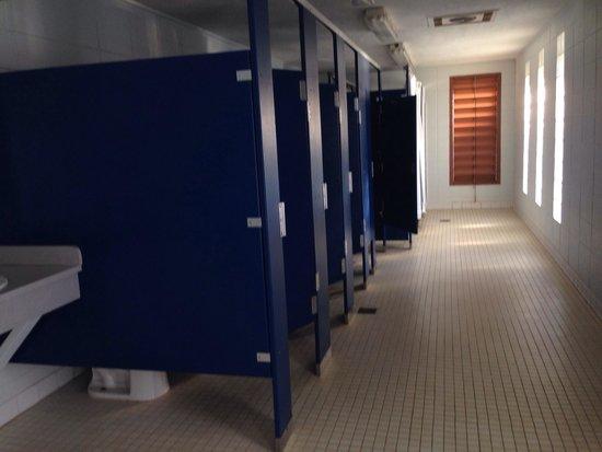 Frank Jackson State Park: Bathrooms