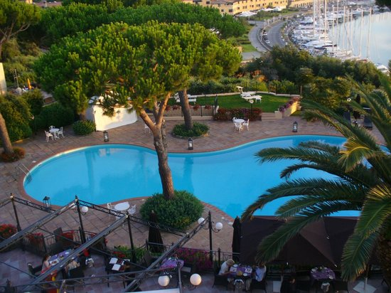 Baglioni Resort Cala del Porto: piscina hotel