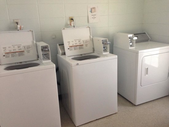 Frank Jackson State Park : Laundry is small but clean