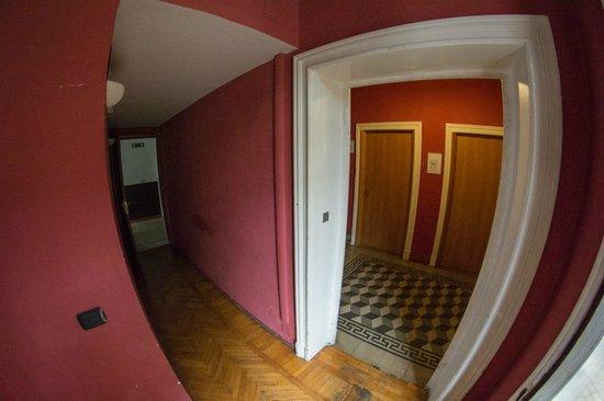 Ambra: Corridor, 1st floor
